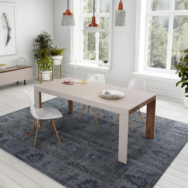 Sillas, mesas y taburetes